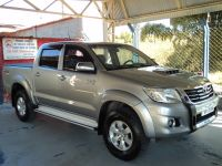TOYOTA   HILUX CD 4X4 SRV (2015/2015)   Consulte